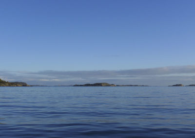 Stillhet i januar midt mellom Landøy og Skogsøy.