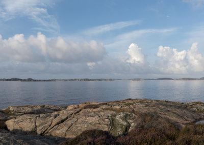 En stille augustmorgen med Landøy og Skogsøy i horisonten.