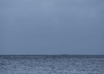 Grått hav i desember.